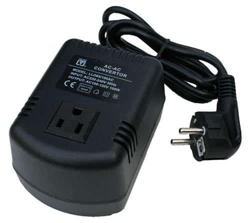USA SPANNUNGSWANDLER 110-230V - 100 Watt max.